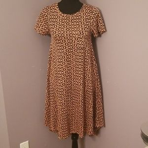 LULAROE adorable Tshirt dress in size xxs
